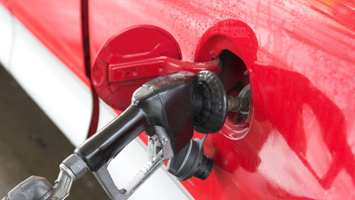 GasBuddy: CT gas prices fall 9.2 cents per gallon