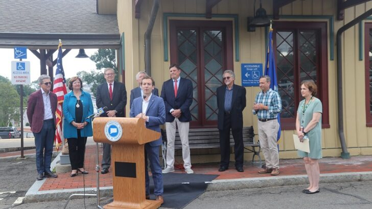 Connecticut Department of Transportation, state officials celebrate New Canaan line returning to full service