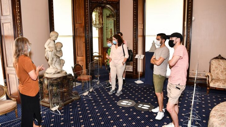 Lockwood-Mathews Mansion Museum Receives $1,000 from Fairfield County Bank's Charity of the Month
